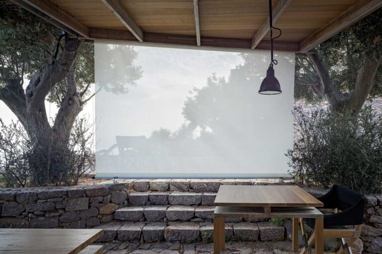Τραπέζι από ξυλεία Iroko
